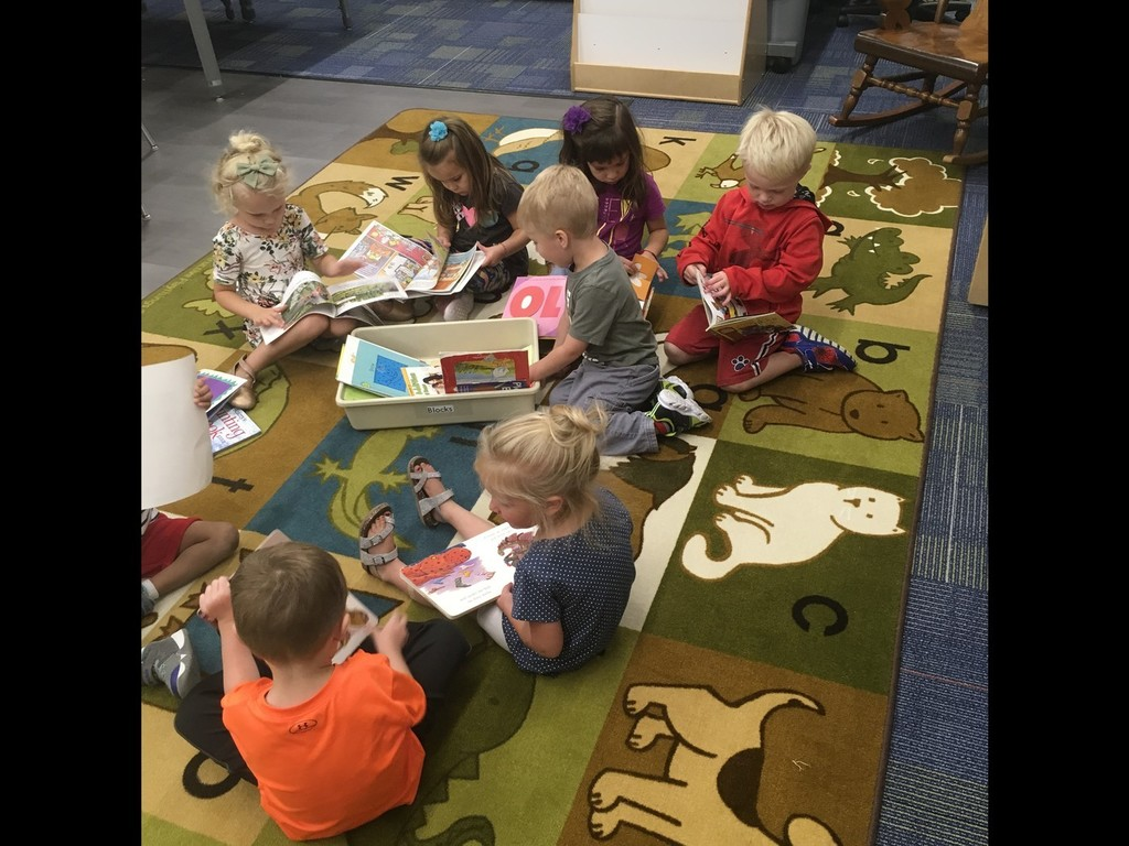 Pre-K kids reading